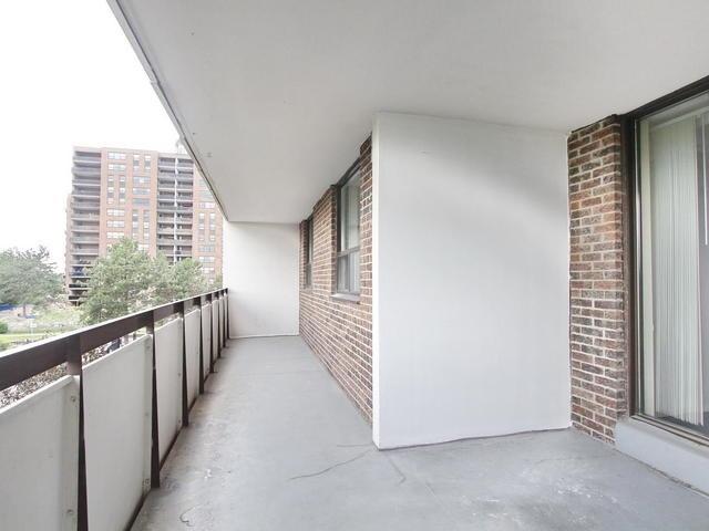 Condo Apartment at 3 Lisa St, Unit 302, Brampton, Ontario. Image 6