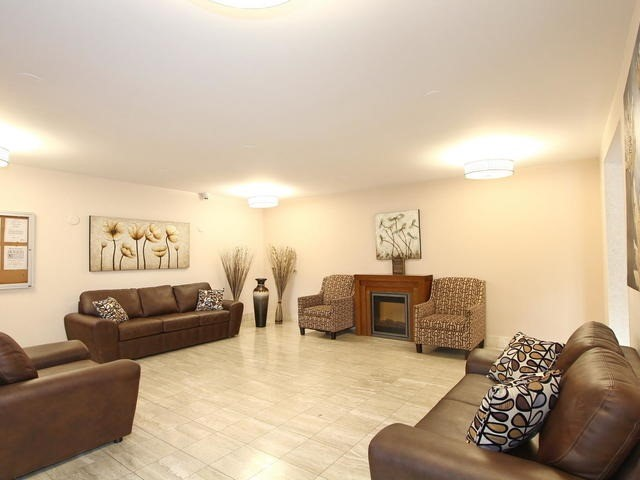 Condo Apartment at 3 Lisa St, Unit 302, Brampton, Ontario. Image 7