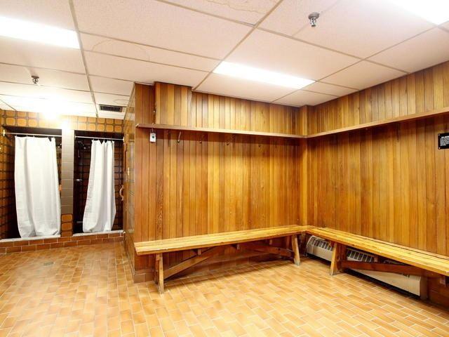 Condo Apartment at 3 Lisa St, Unit 302, Brampton, Ontario. Image 8