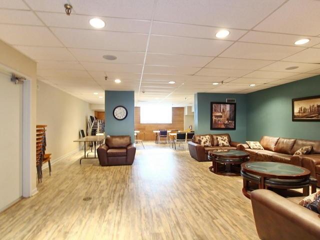 Condo Apartment at 3 Lisa St, Unit 302, Brampton, Ontario. Image 9