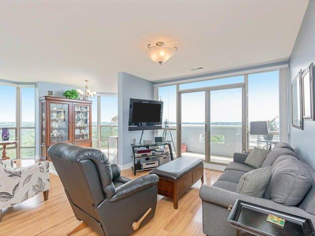 Condo Apartment at 20 Mcfarlane Dr, Unit 1706, Halton Hills, Ontario. Image 13
