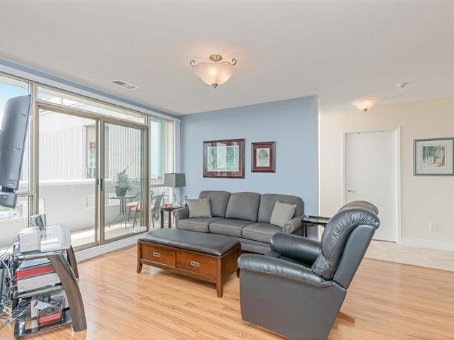 Condo Apartment at 20 Mcfarlane Dr, Unit 1706, Halton Hills, Ontario. Image 14