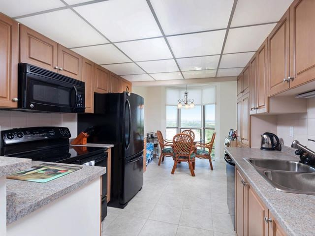 Condo Apartment at 20 Mcfarlane Dr, Unit 1706, Halton Hills, Ontario. Image 18