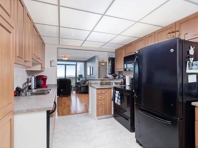 Condo Apartment at 20 Mcfarlane Dr, Unit 1706, Halton Hills, Ontario. Image 19
