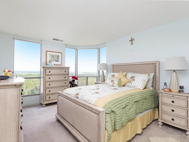 Condo Apartment at 20 Mcfarlane Dr, Unit 1706, Halton Hills, Ontario. Image 3