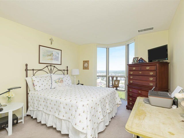 Condo Apartment at 20 Mcfarlane Dr, Unit 1706, Halton Hills, Ontario. Image 4