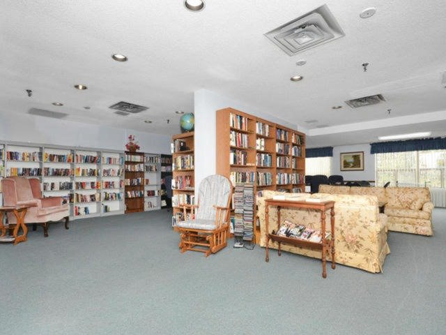 Condo Apartment at 20 Mcfarlane Dr, Unit 1706, Halton Hills, Ontario. Image 8