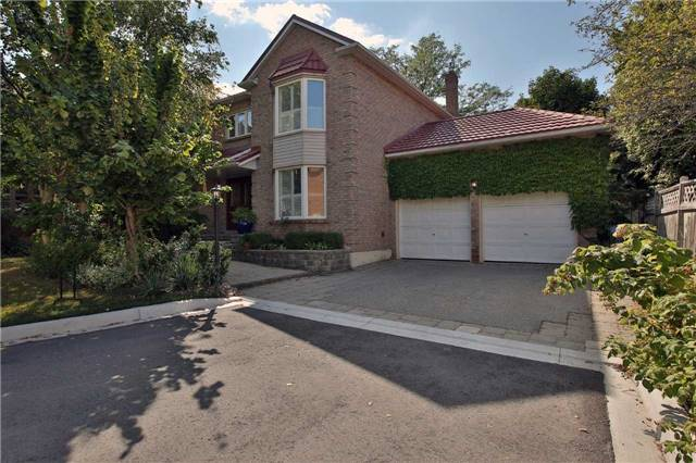 Detached at 6685 Tenth Line W, Mississauga, Ontario. Image 1