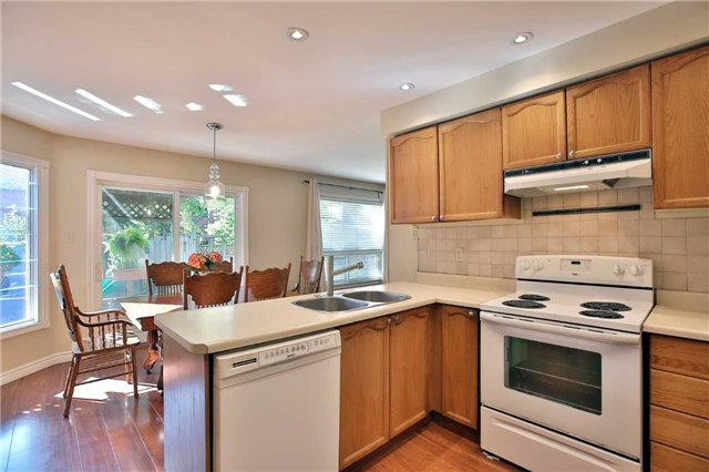 Detached at 6685 Tenth Line W, Mississauga, Ontario. Image 17