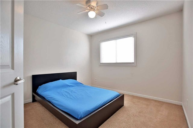 Detached at 6685 Tenth Line W, Mississauga, Ontario. Image 5