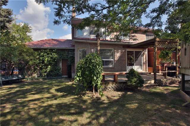 Detached at 6685 Tenth Line W, Mississauga, Ontario. Image 9