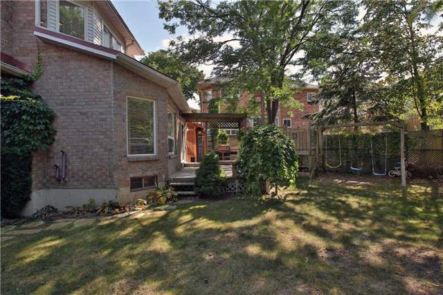 Detached at 6685 Tenth Line W, Mississauga, Ontario. Image 10