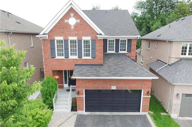 Detached at 10 Oak Gardens Crt, Brampton, Ontario. Image 1