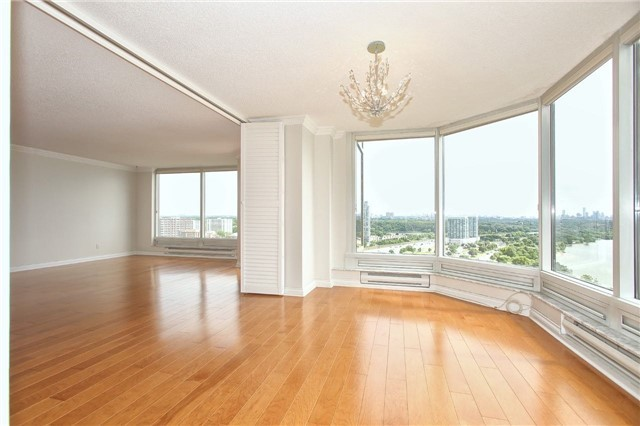 Condo Apartment at 1 Palace Pier Crt, Unit 2101, Toronto, Ontario. Image 16