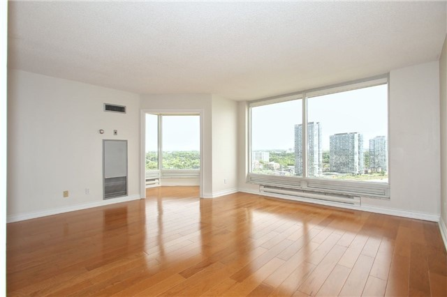 Condo Apartment at 1 Palace Pier Crt, Unit 2101, Toronto, Ontario. Image 18