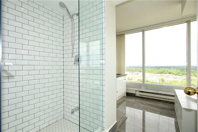 Condo Apartment at 1 Palace Pier Crt, Unit 2101, Toronto, Ontario. Image 19