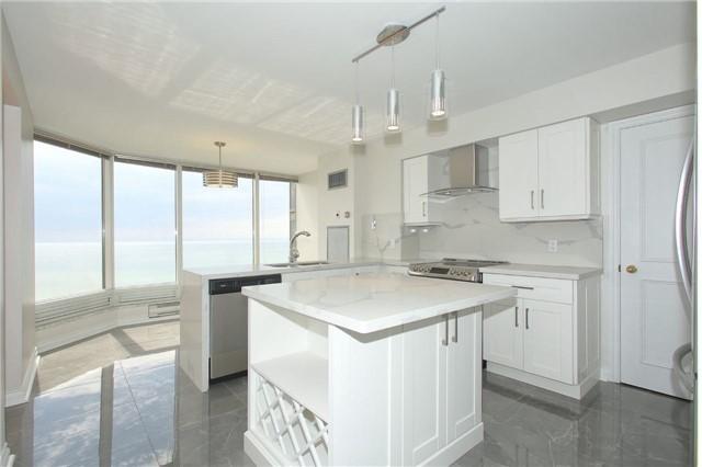 Condo Apartment at 1 Palace Pier Crt, Unit 2101, Toronto, Ontario. Image 8