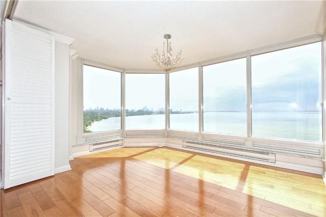 Condo Apartment at 1 Palace Pier Crt, Unit 2101, Toronto, Ontario. Image 9