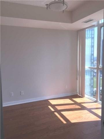 Condo Apartment at 4070 Confederation Pkwy, Unit 3005, Mississauga, Ontario. Image 14