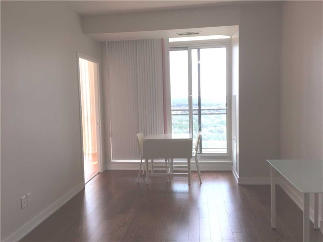 Condo Apartment at 4070 Confederation Pkwy, Unit 3005, Mississauga, Ontario. Image 16