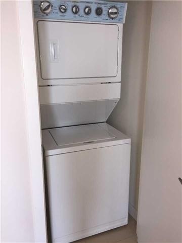 Condo Apartment at 4070 Confederation Pkwy, Unit 3005, Mississauga, Ontario. Image 7