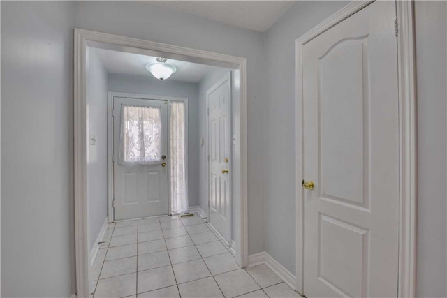 Detached at 25 Sahara Tr, Brampton, Ontario. Image 15