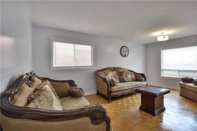 Detached at 25 Sahara Tr, Brampton, Ontario. Image 16