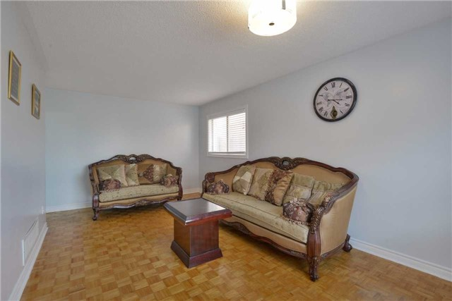 Detached at 25 Sahara Tr, Brampton, Ontario. Image 18