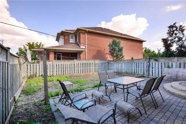 Detached at 25 Sahara Tr, Brampton, Ontario. Image 13
