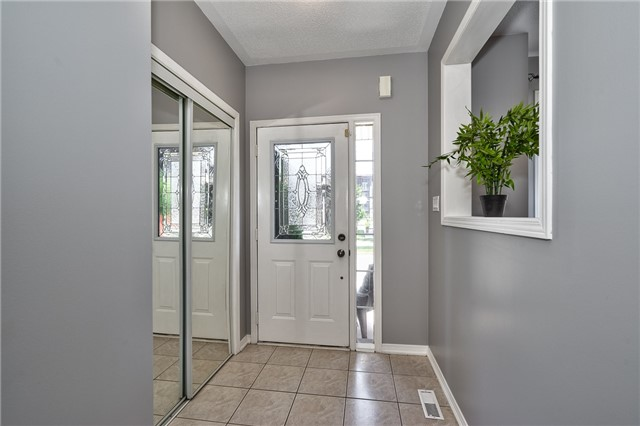 Townhouse at , Ontario. Image 6