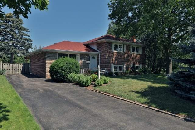 Detached at 2075 Seabrook Dr, Oakville, Ontario. Image 12