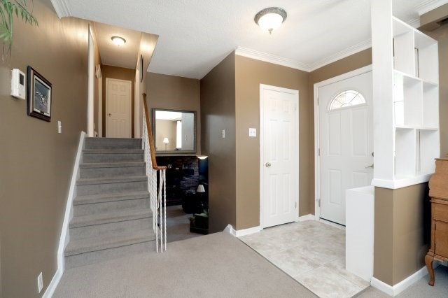 Detached at 2075 Seabrook Dr, Oakville, Ontario. Image 14