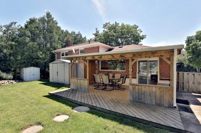 Detached at 2075 Seabrook Dr, Oakville, Ontario. Image 11