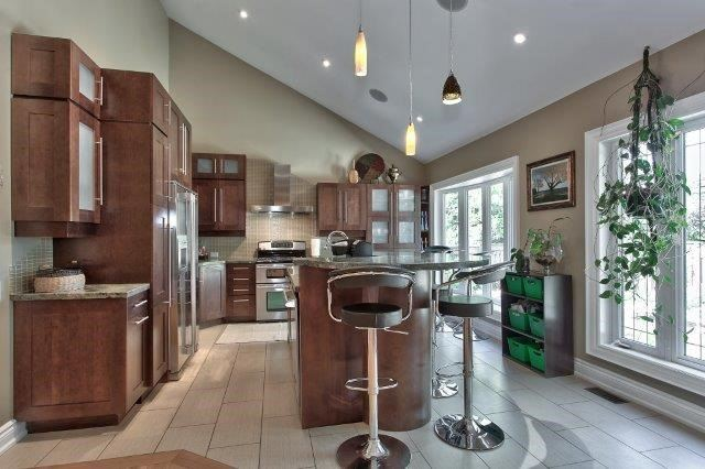 Detached at 2085 Water's Edge Dr, Oakville, Ontario. Image 14
