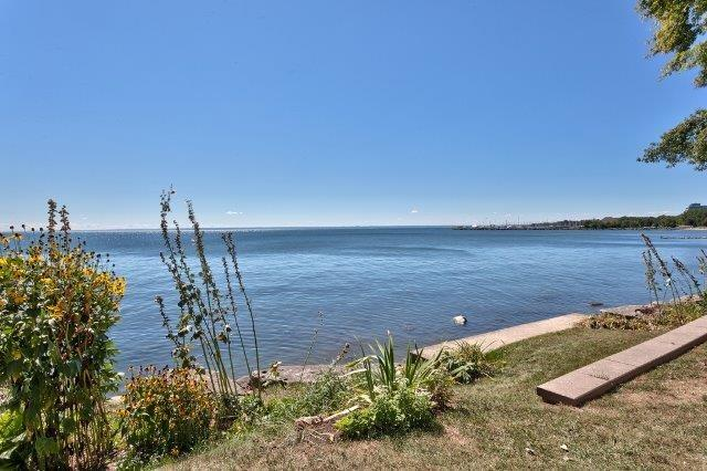 Detached at 2085 Water's Edge Dr, Oakville, Ontario. Image 10