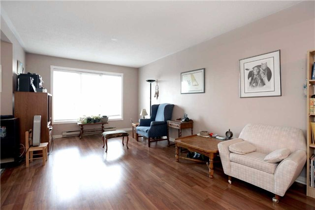 Condo Apartment at 3050 Pinemeadow Dr, Unit 61, Burlington, Ontario. Image 14