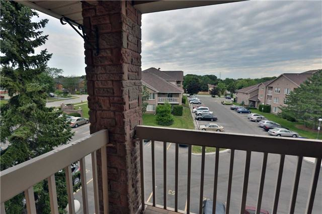 Condo Apartment at 3050 Pinemeadow Dr, Unit 61, Burlington, Ontario. Image 5