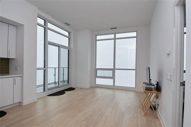 Condo Apartment at 2220 Lake Shore Blvd W, Unit Ph04, Toronto, Ontario. Image 16