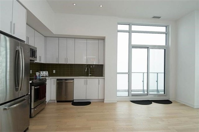 Condo Apartment at 2220 Lake Shore Blvd W, Unit Ph04, Toronto, Ontario. Image 18