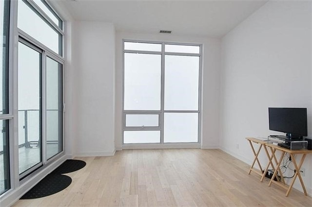 Condo Apartment at 2220 Lake Shore Blvd W, Unit Ph04, Toronto, Ontario. Image 19