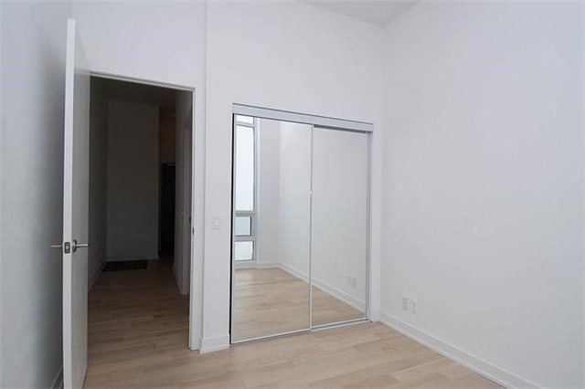 Condo Apartment at 2220 Lake Shore Blvd W, Unit Ph04, Toronto, Ontario. Image 7