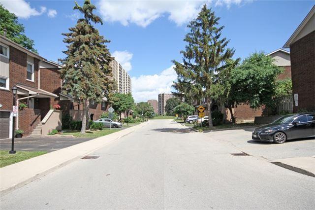 Condo Townhouse at 14 Permfield Path, Toronto, Ontario. Image 11
