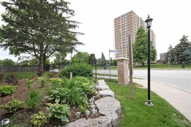 Condo Townhouse at 14 Permfield Path, Toronto, Ontario. Image 13