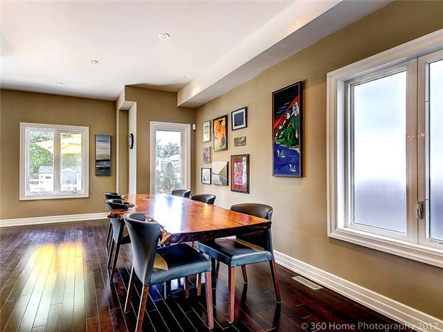 Detached at 70 Thirty Eighth St, Toronto, Ontario. Image 11