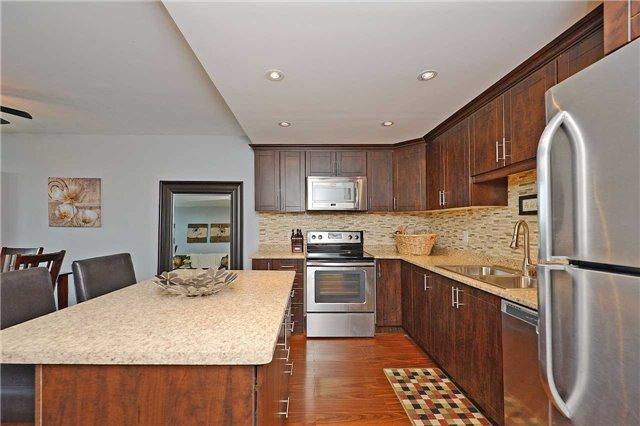 Condo Apartment at 188 Mill St S, Unit 406, Brampton, Ontario. Image 3
