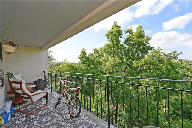Condo Apartment at 188 Mill St S, Unit 406, Brampton, Ontario. Image 10
