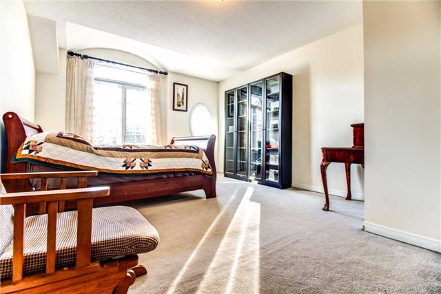 Condo Townhouse at 111 The Queensway Ave, Unit Th50, Toronto, Ontario. Image 4