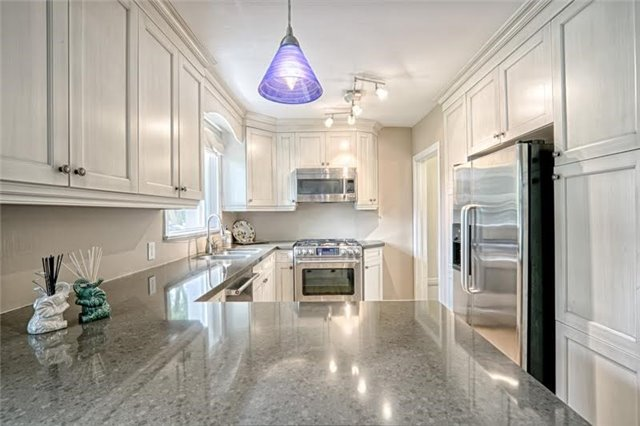 Detached at 1273 Oxford Ave, Oakville, Ontario. Image 16
