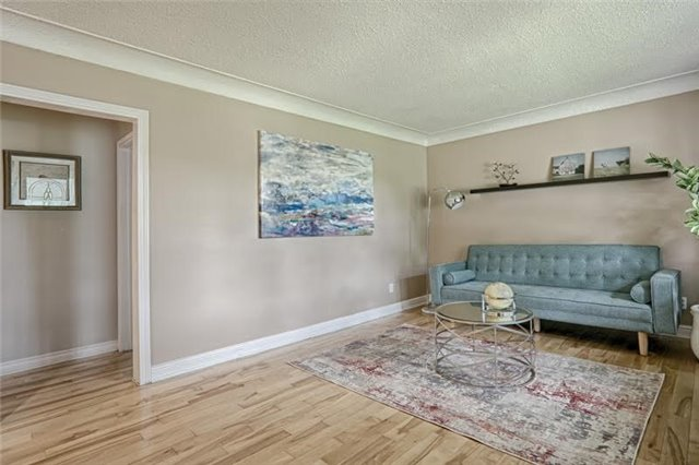 Detached at 1273 Oxford Ave, Oakville, Ontario. Image 2