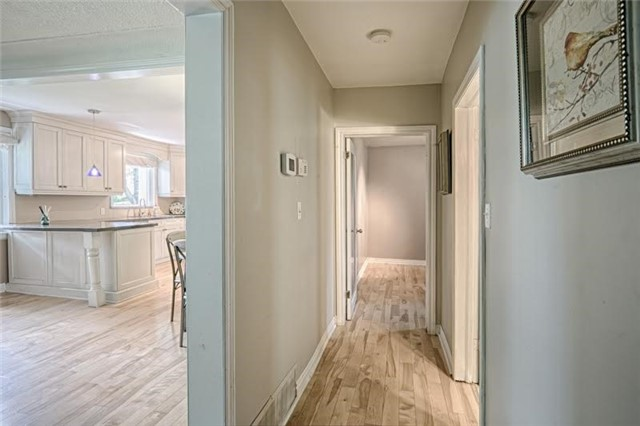 Detached at 1273 Oxford Ave, Oakville, Ontario. Image 3